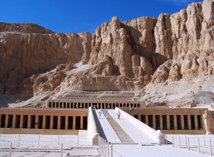 temple of hapshetsut luxor.JPG