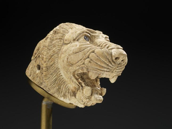 Lions Head Syria c.900 BC Royal Ontario Museum.jpg