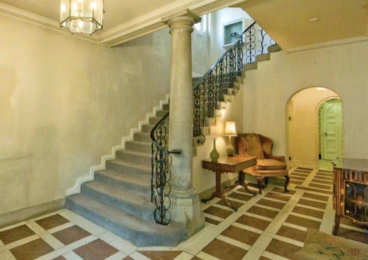 Innerhall&staircase,AmberwoodHouse.jpg