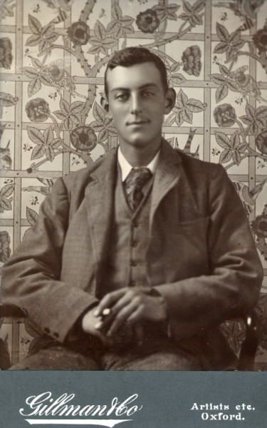 9_Sydney Beale seated against Trellis wallpaper.jpg